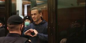 protesta San Valentino Navalny