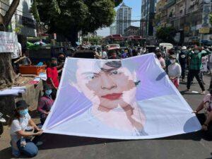 manifestanti Myanmar