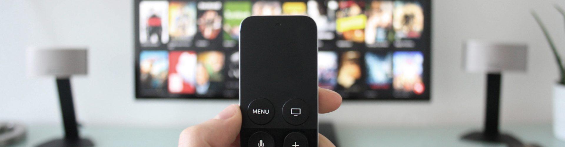 Canone Tv: la Gran Bretagna sta per rivedere soglia esenzione per over 75