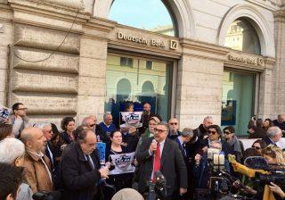 Giornalisti in piazza in tutta Italia, è scontro con M5S