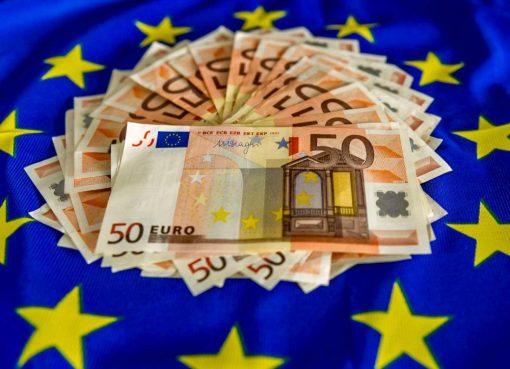 Paradise Papers: Ue interviene su agevolazioni fiscali per yacht e aerei di Italia e Gb